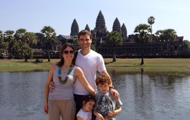 Andrea, o marido e os filhos: Eric e Bettina (a chinoca brazuca).