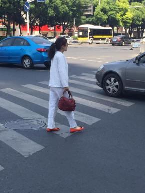 Pijama chinês – indispensável para umpasseio…